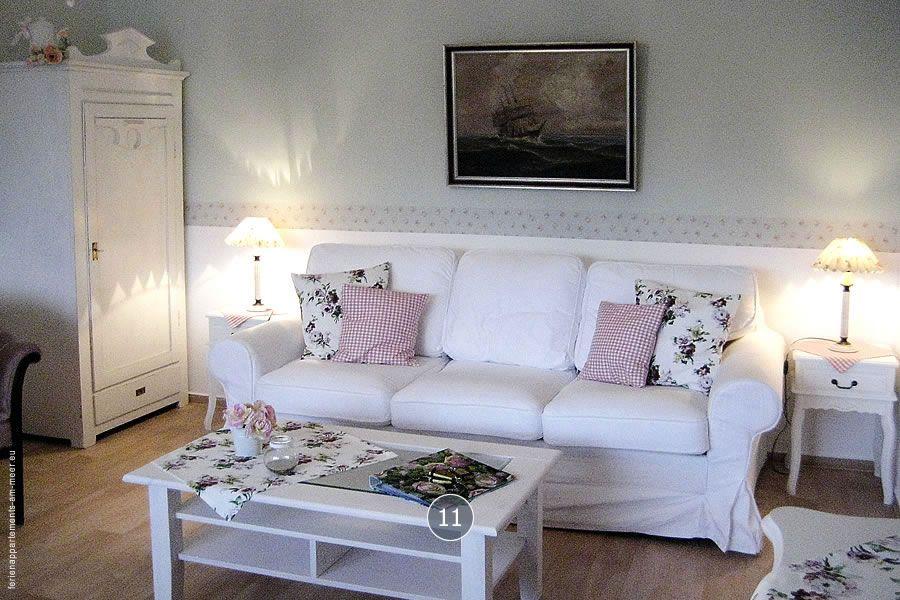 Wohnbereich in einer Ferienwohnung von Haus Midsommer.