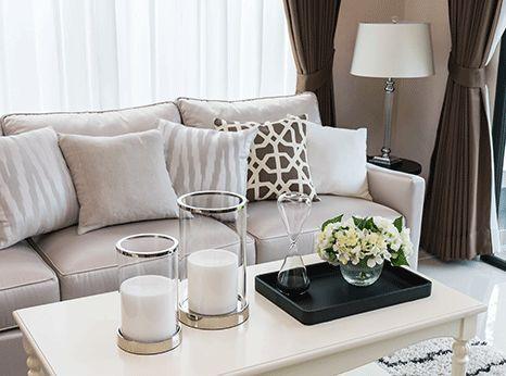 Wohnzimmer Taupe ~ Soft glam wohnzimmer couch coffee table in beige taupe und braun