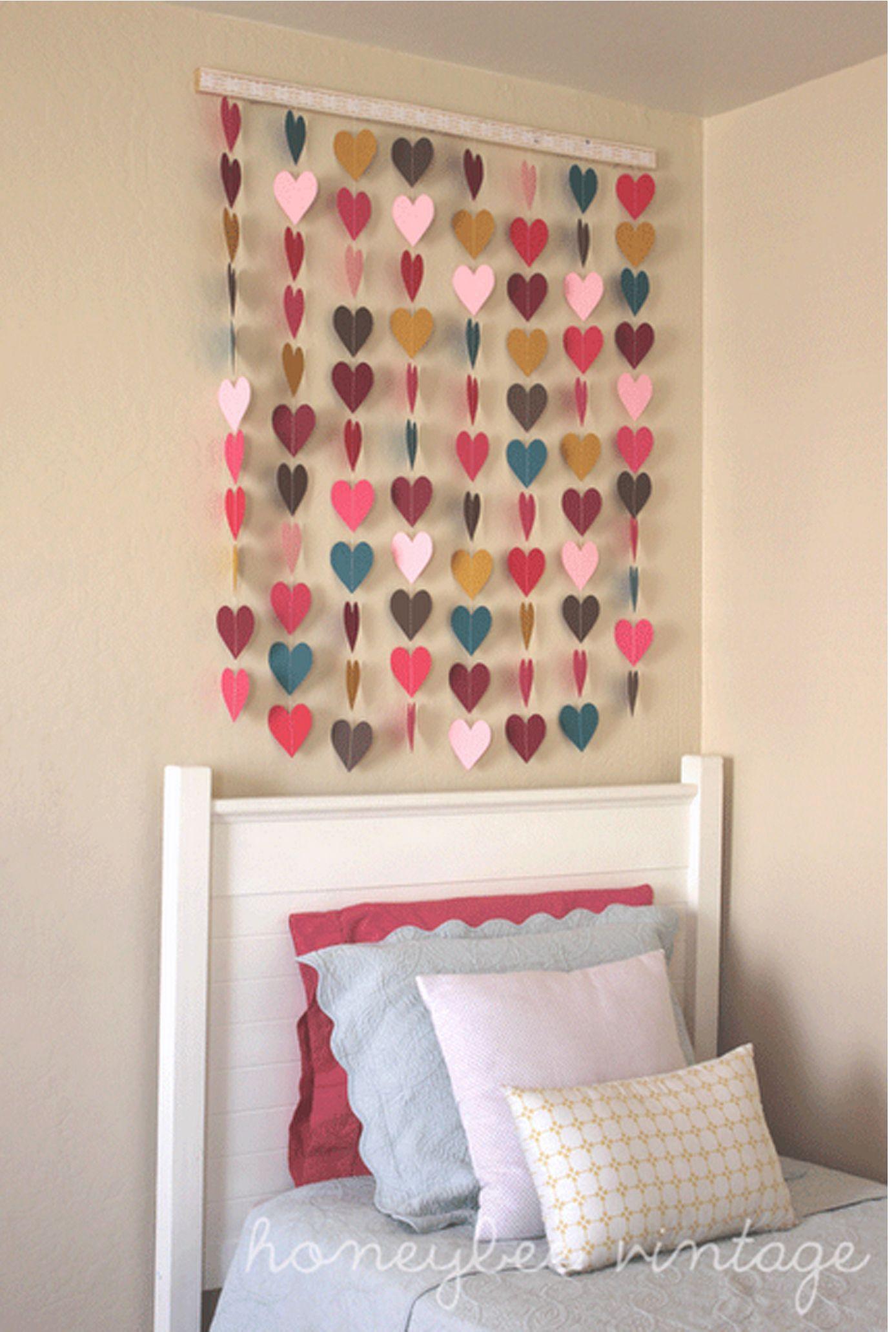 Diy cortina de coração coração pinterest polaroid wall pink