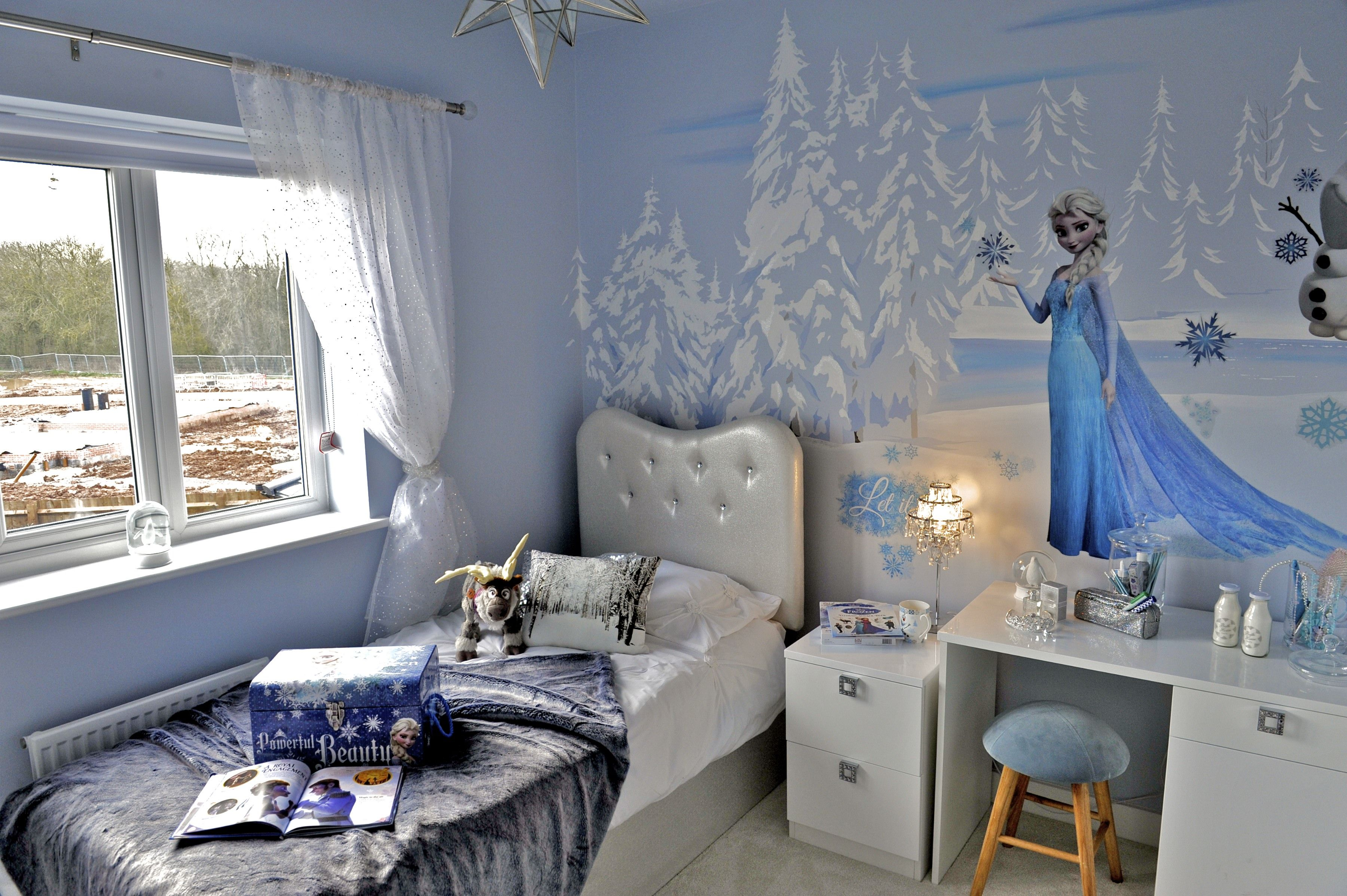 The Frozen Room Is Complete The Background Was Painted