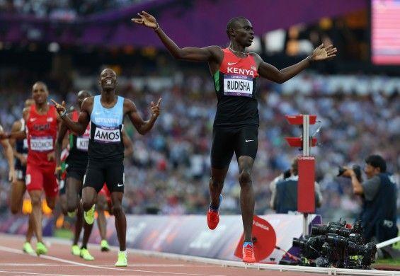 Ver la prueba de 800m planos en los juegos olímpicos.