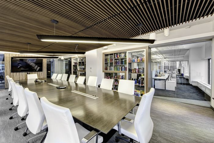 Office Tour: Ignite – Chicago Offices | Chicago, Office designs ...