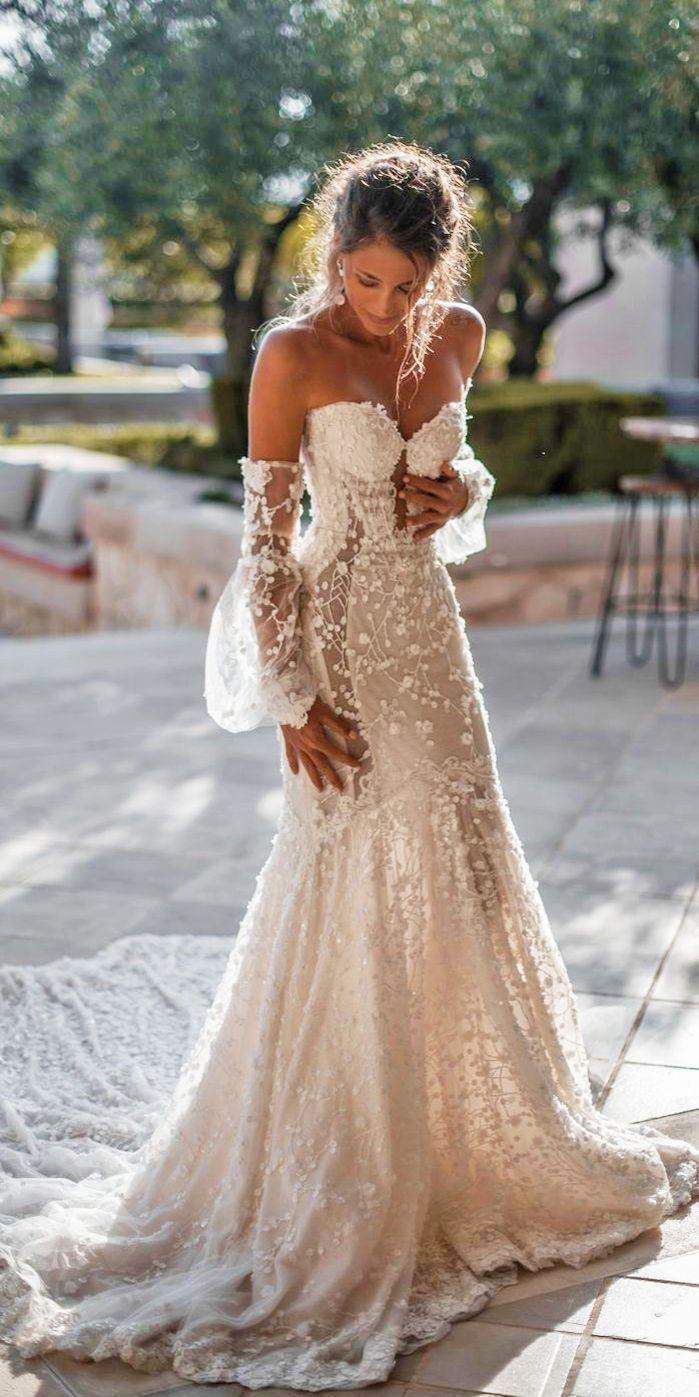 Schulterfreies Corsagen Brautkleid mit Spitze