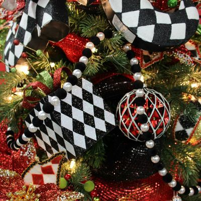 Bead Garland Christmas Decoration 6 Black And White Acrylic Beads Range From A F Christmas Decorations Garland Christmas Tree Decorations Christmas Decorations