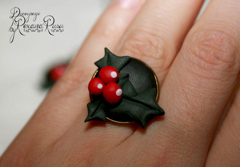 Ring Christmas Flower- Holly Berry Blumen - Fimo von Decoupage ByRoxanaRusu auf DaWanda.com