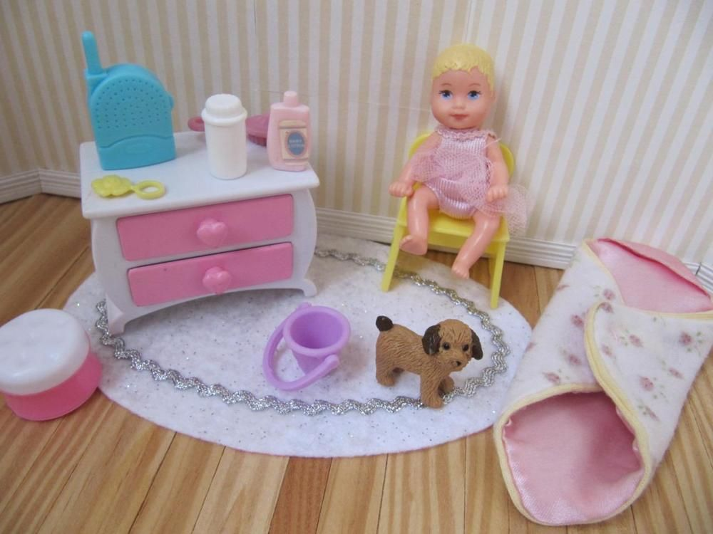 Barbie Jointed Posable Baby Monitor KRISSY Crissy Dollhouse Nursery  Furniture