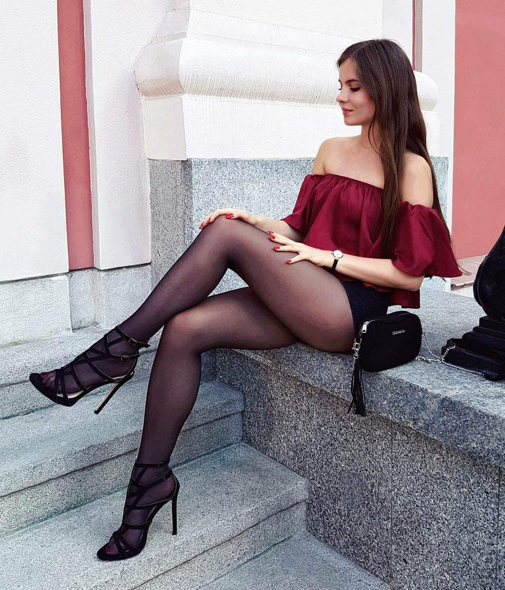 https://twitter/ | legs in nylon | pinterest | legs and street