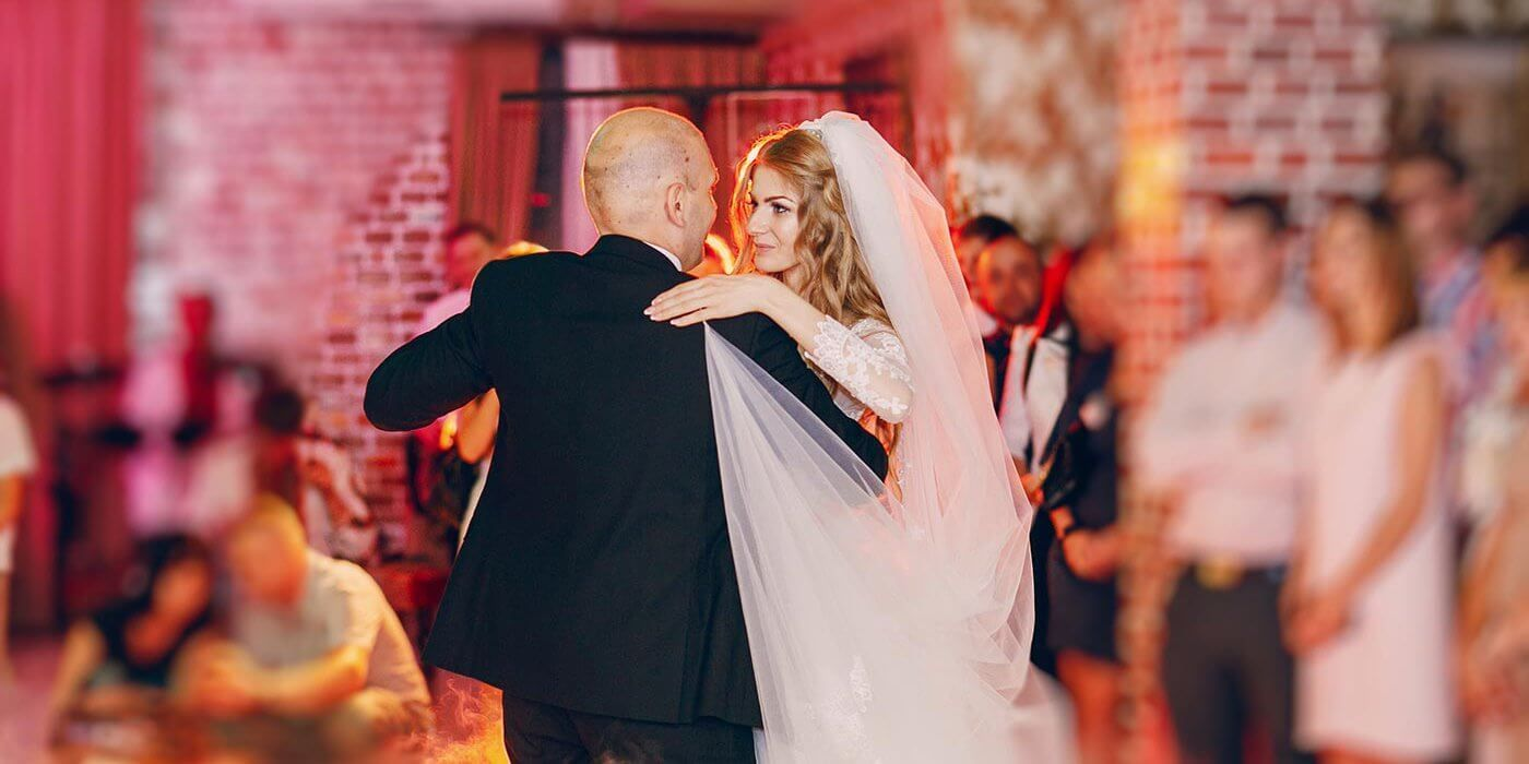 So Schon Emotionale Lieder Zum Tanzen Mit Mama Oder Papa Vater Tochter Tanz Hochzeit Brauche Lieder Hochzeit