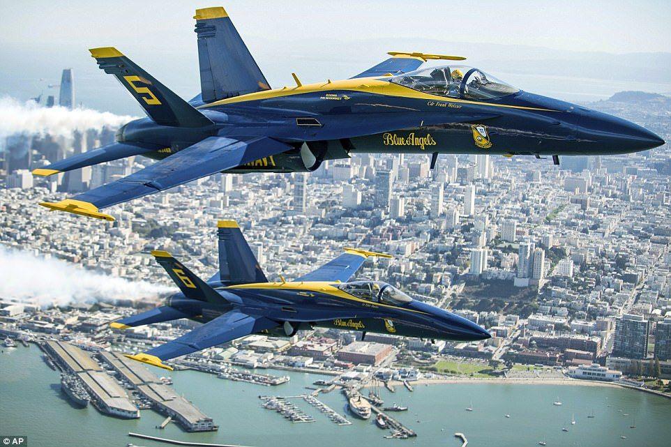 Breathtaking photos show Blue Angels over San Francisco