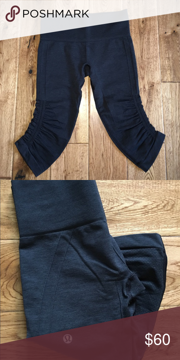 Lululemon cropped leggings Super cute and bunch right below the knee(why they curve out). Very stretchy and flattering. Only worn once lululemon athletica Pants Ankle & Cropped