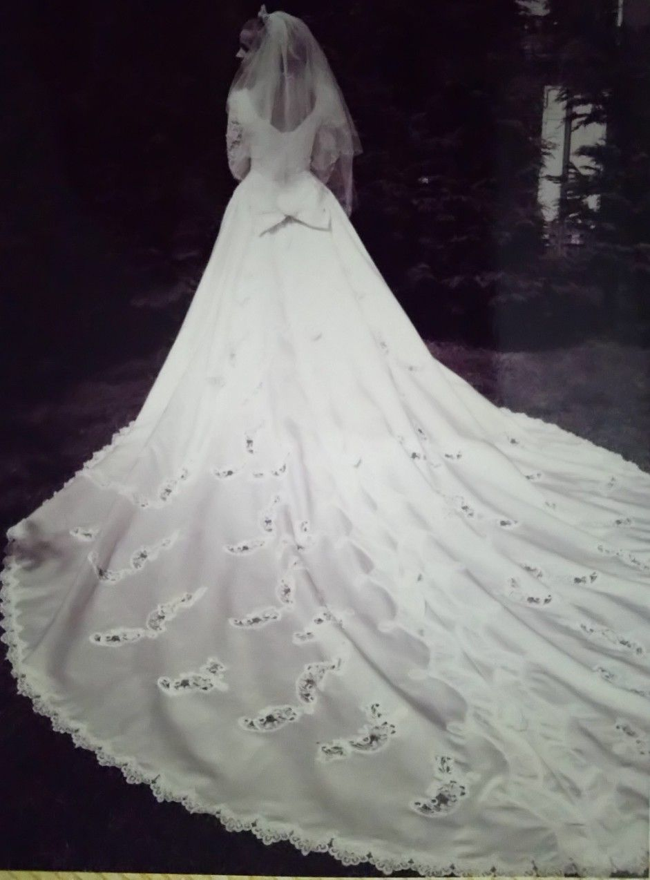 Mori lee wedding dress gown long train heavily beaded bodice