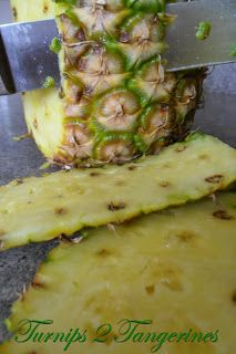 How to chop a pineapple. The more you know!