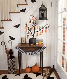 Halloween, Halloween decor, Happy Halloween, front entrance, entryway, foyer, festive, pumpkins, home decor