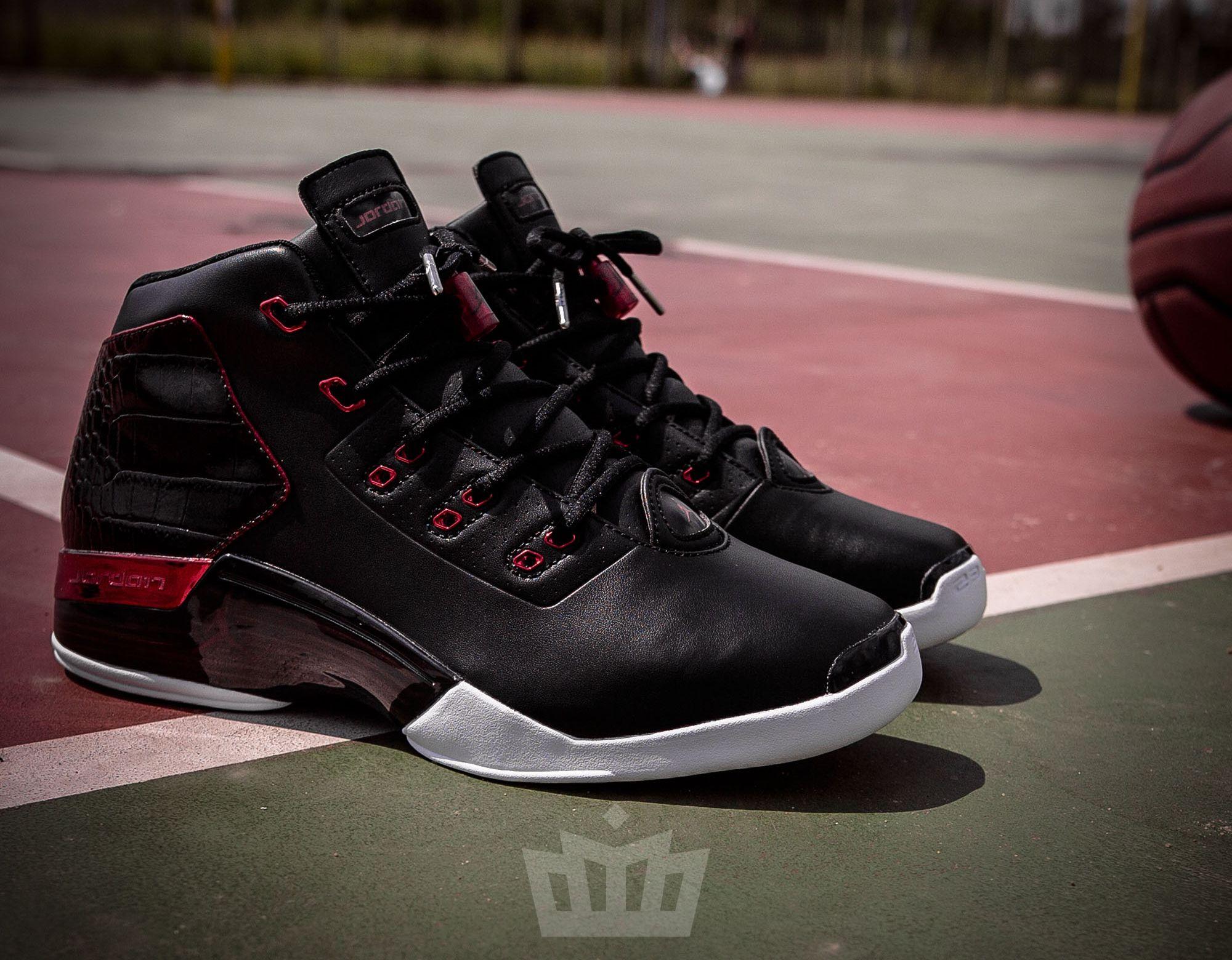 Air Jordan 17+ Bulls Release Info 832816-001 Chaussures Officiel Jordan  prix Pour Homme   Air Jordan 17+   Pinterest   Air jordan and Nike air  jordans