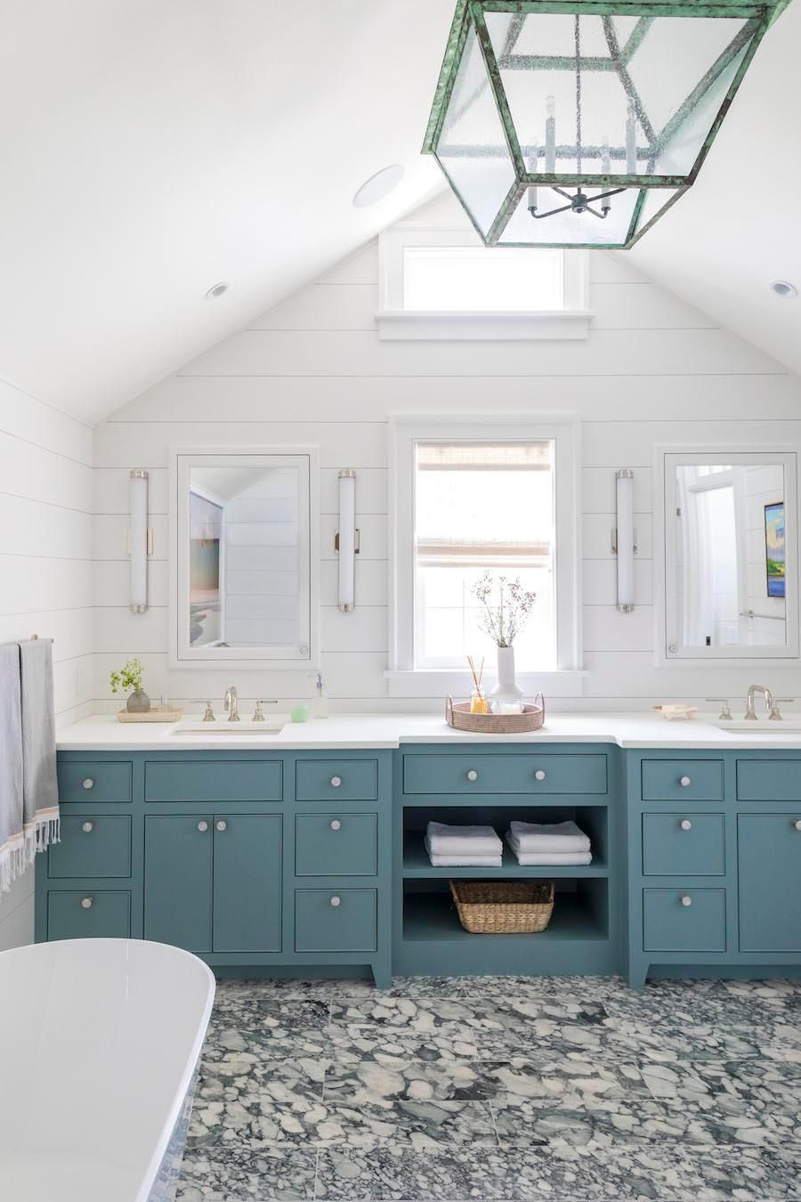 This Vibrant Nantucket Beach House Is Anything but Basic
