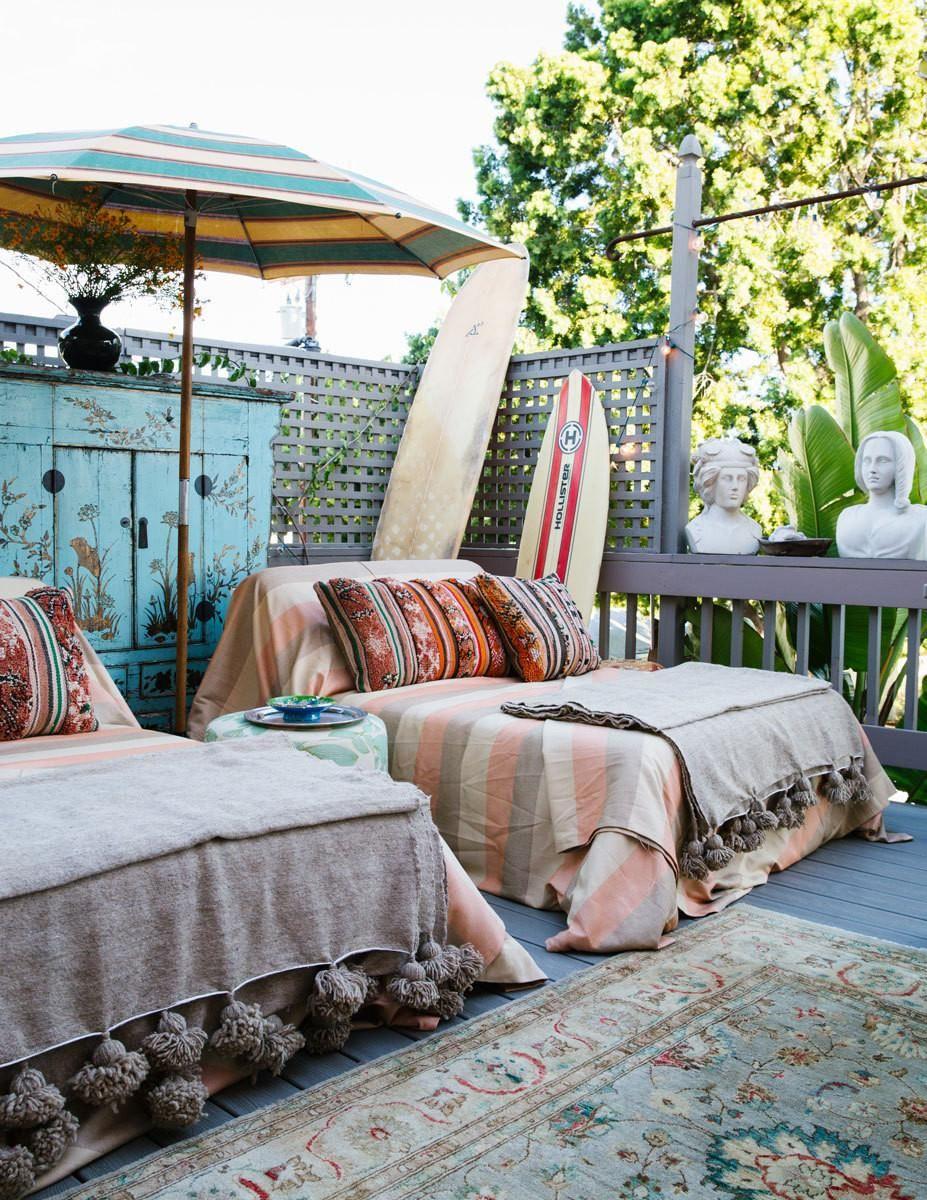 A Designer S Eclectic Bohemian California House Outdoor Decor Bohemian Outdoor Patio Umbrellas
