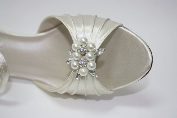 Hey, I found this really awesome Etsy listing at https://www.etsy.com/listing/182751596/wedding-shoes-ivory-shoes-sandals