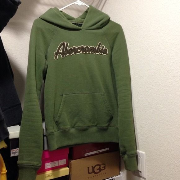 FLASH SALE!! Abercrombie & Fitch hoodie. Medium. Abercrombie & Fitch pullover hoodie. Medium. Abercrombie & Fitch Sweaters