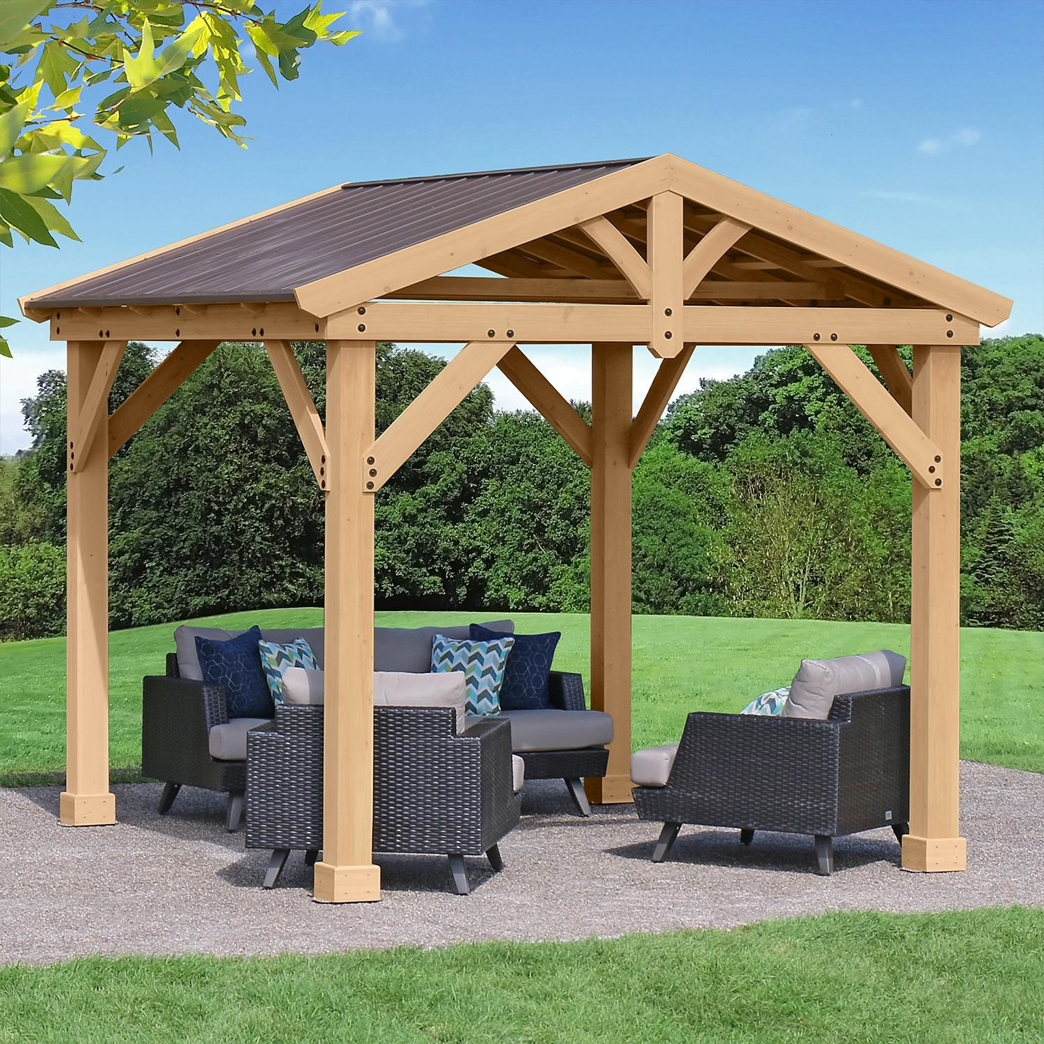 Yardistry 10 X 10 All Cedar Pavilion With Aluminum Roof Sam S Club In 2020 Backyard Aluminum Roof Outdoor Patio