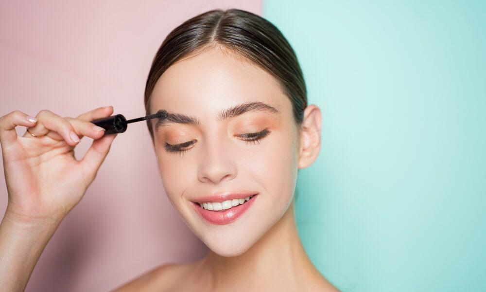 تعرفي مع يومياتي على طريقة رسم الحواجب العريضة بدون تشقير كالمحترفين Perfect Eyebrows Eyebrow Shape Perfect Eyebrow Shape