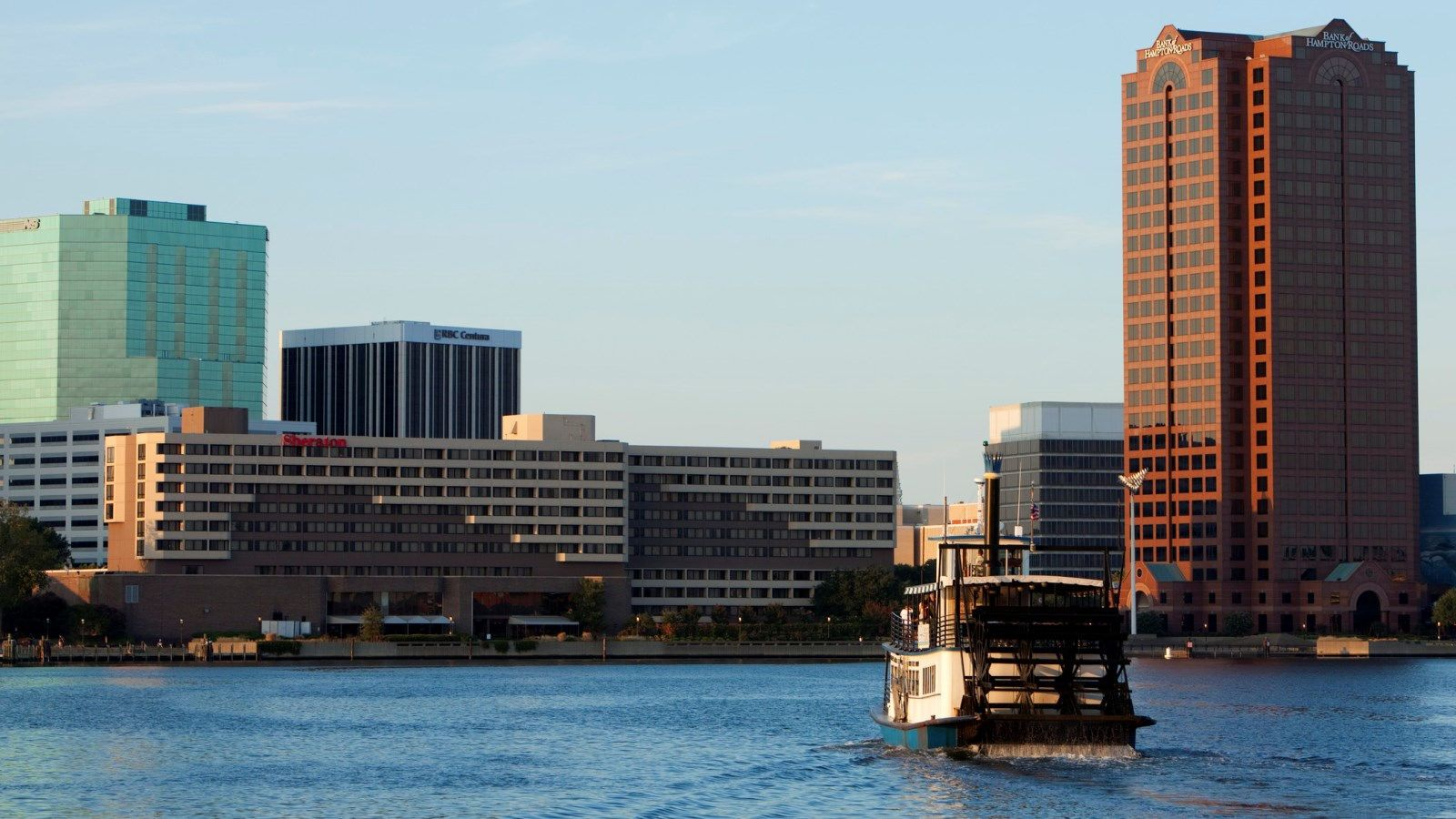 Things To Do In Norfolk Va Sheraton Norfolk Waterside Hotel