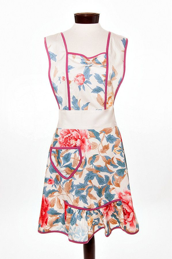 the Clara apron www.ImagineGoods.com