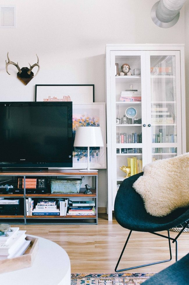 Kate Arends Minneapolis Apartment Tour Theeverygirl Apartmentliving HomedecorLivingroom ArtSpaces LivingLiving AreasFunky