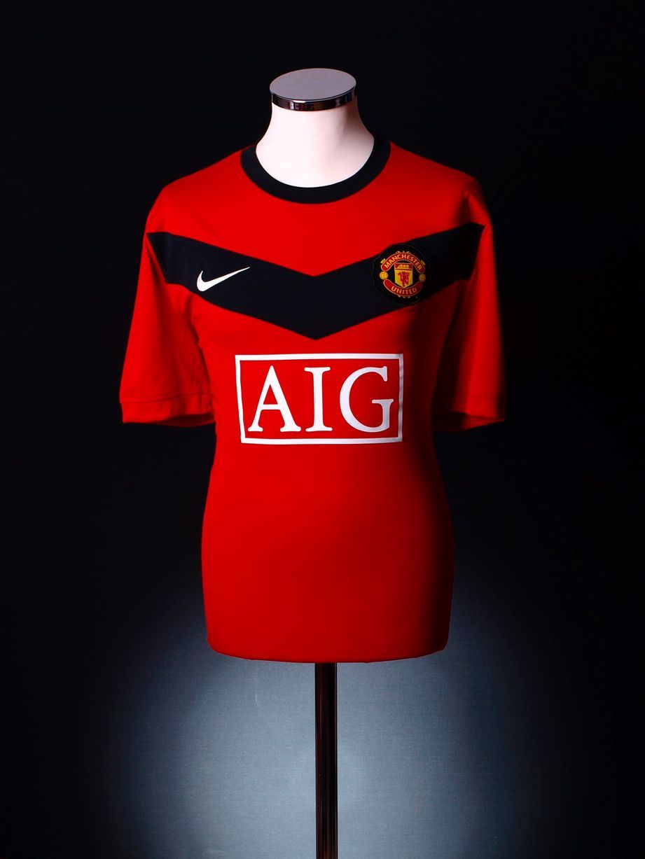 United kit special  Vote for the Reds shirts you love and hate 36929e0f7