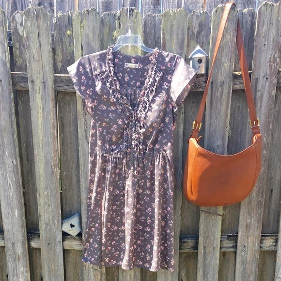 American eagle dress American eagle dress lovely silky Floral dress! open to offers American Eagle Outfitters Dresses Mini