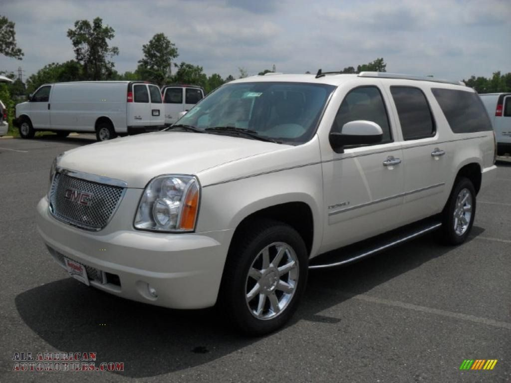 Gmc yukon denali xl 2014 2011 gmc yukon xl denali awd in white diamond tintcoat