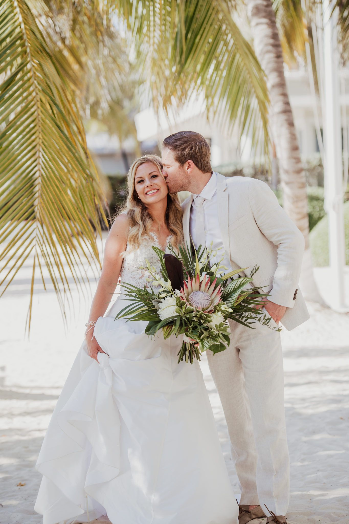 78cc67eafe0 Elegant Destination Wedding at the Caribbean Club