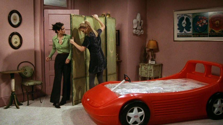 Friends 3x07 The One With The Race Car Bed 1 Friends Tv Friends Scenes Friends Tv Show