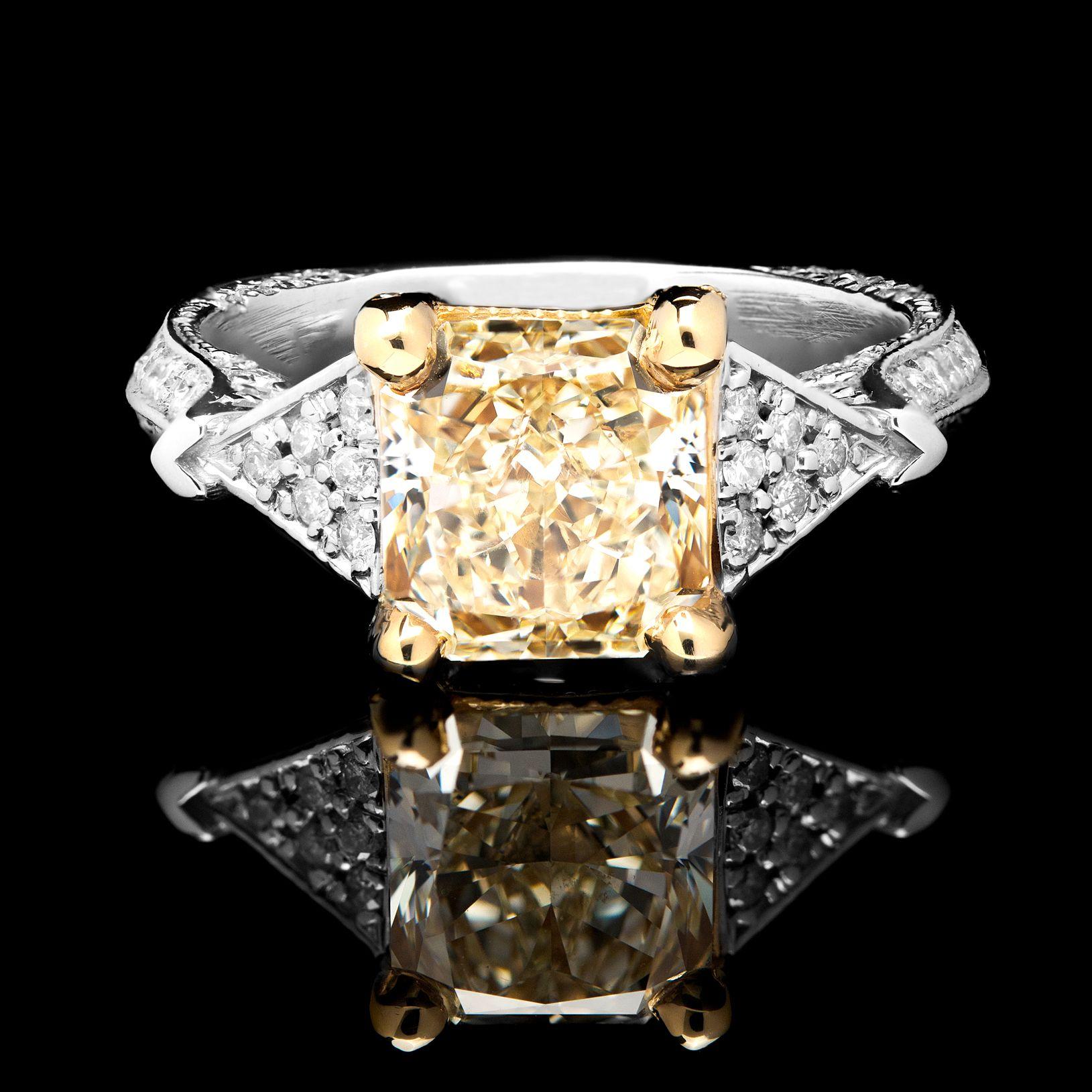 Light Yellow 2.25ct Diamond 18k Gold Engagement Ring