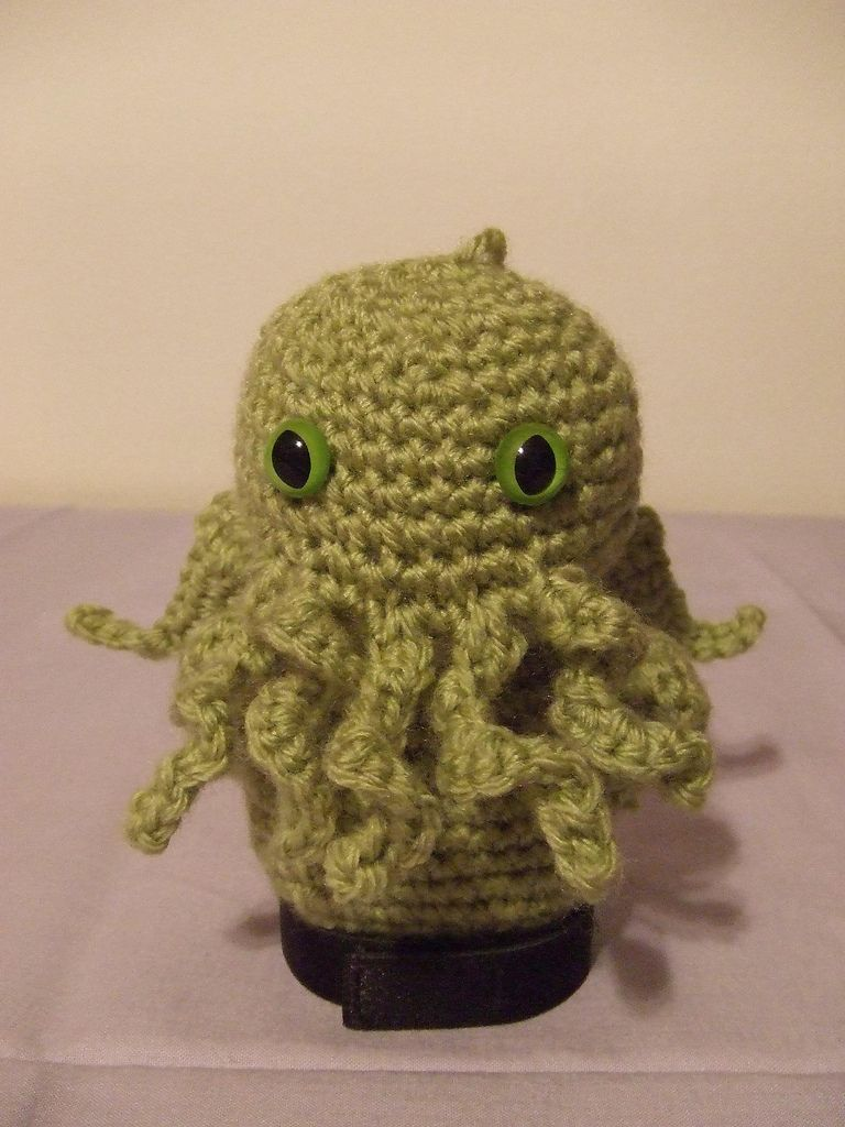 Crochet cthulhu crochet pinterest crochet free pattern and here is the pattern for the tiny cthulhu that i sent off to australia bankloansurffo Choice Image