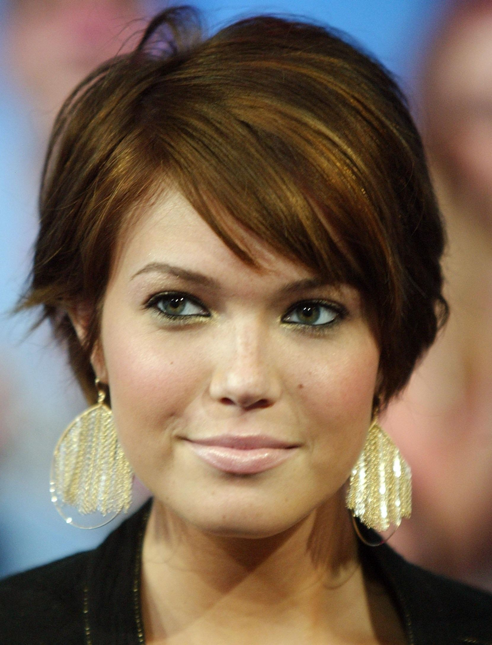 Coupe Cheveux Courts Épinglé Par Lise Lesage Sur Coupe Short Hairstyles For Thick