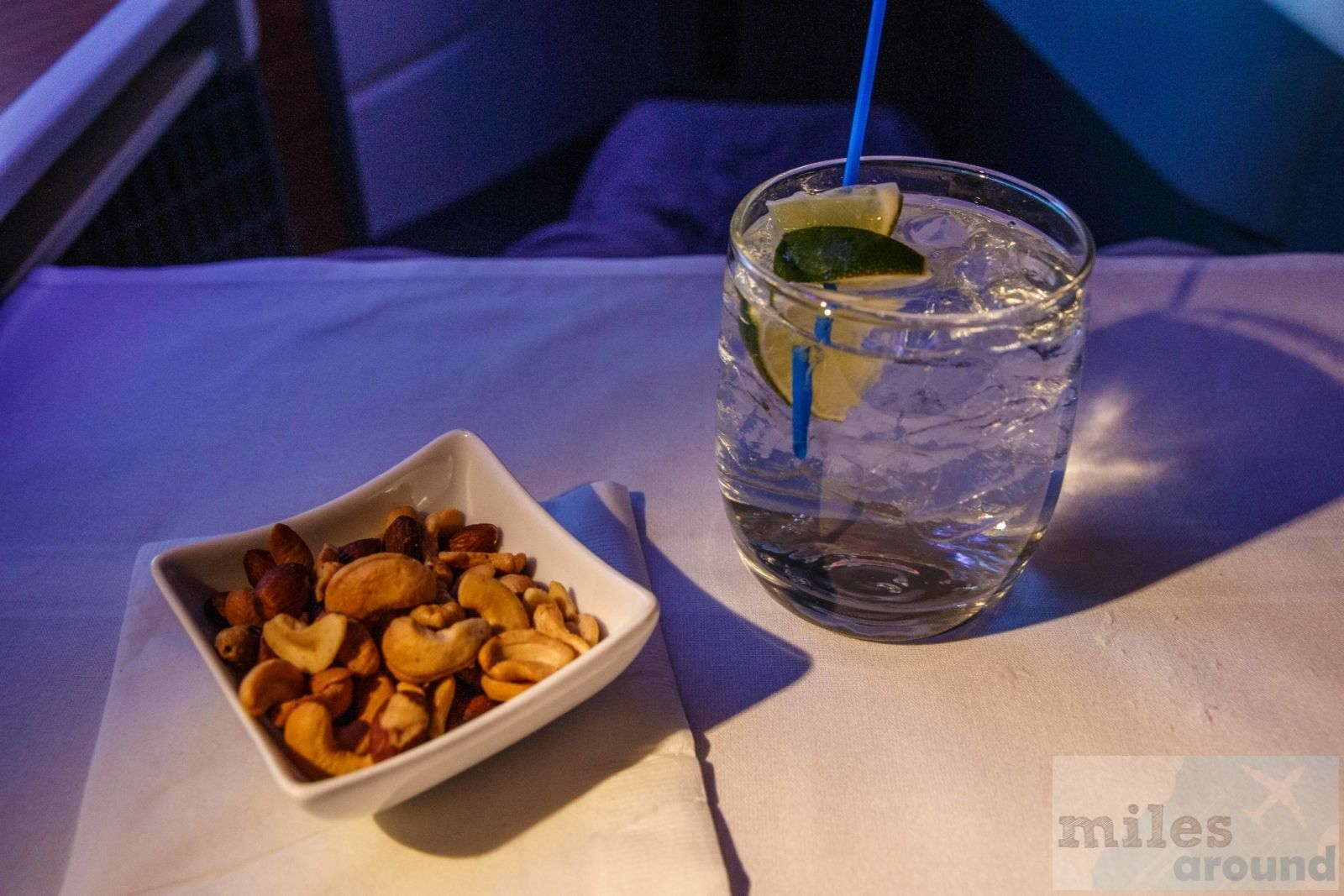 - Check more at https://www.miles-around.de/trip-reports/business-class/american-airlines-business-class-nach-london-heathrow/,  #AmericanAirlines #Boeing777-300ER #BusinessClass #GinTonic #WLAN