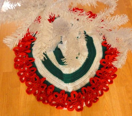 Free Crochet Pattern For A Flowery Christmas Tree Skirt By Crochet