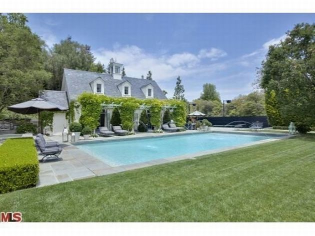 Couple lori loughlin and mossimos house for sale in bel for Los angeles homes for sale with pool
