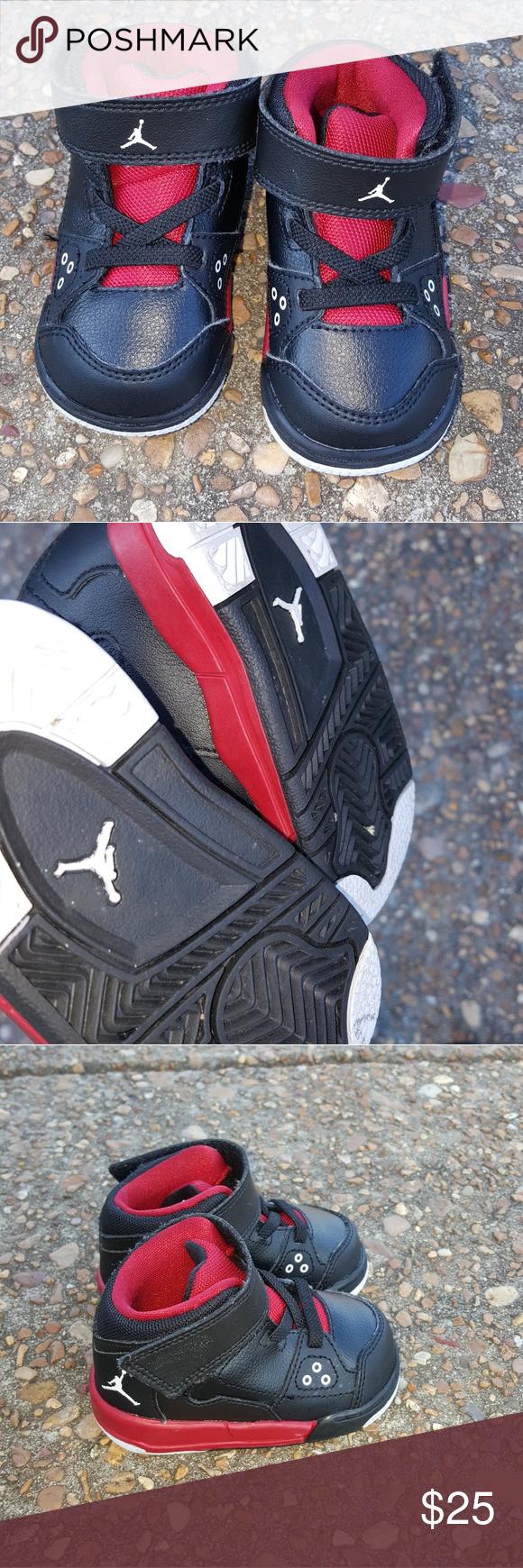 Air Jordan Nice clean pair of baby jordan shoes in good