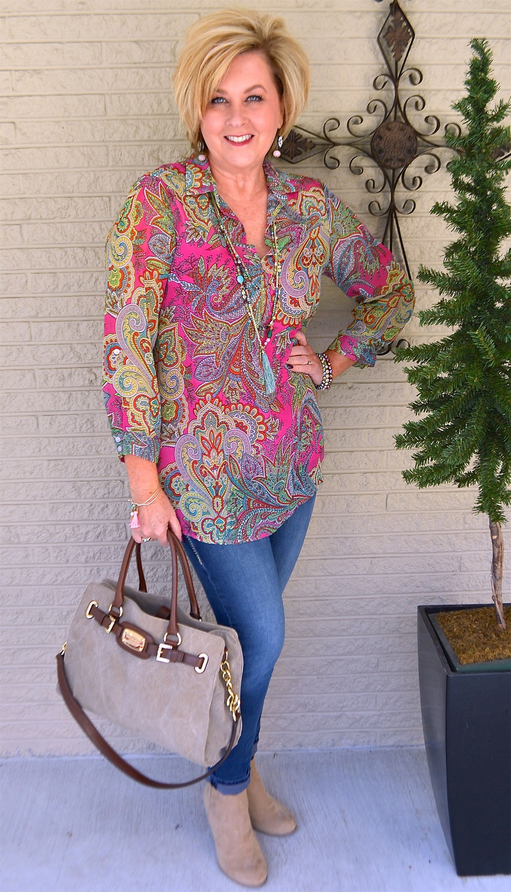 Trends For Spring Summer Clothes For Real Women Over 40: HOW TO WEAR BRIGHT COLORS