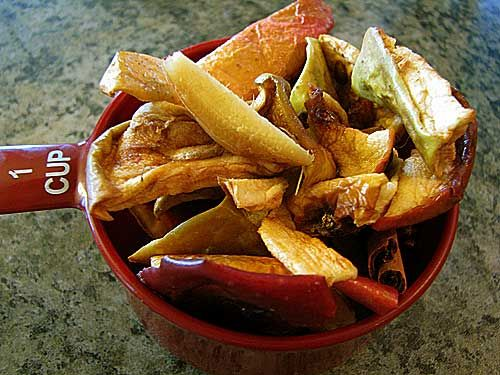 Apple Spice Simmering Potpourri: make your house smell like autumn