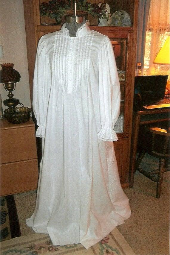 Womens Vintage Deep V Neck Backless Lace Victorian