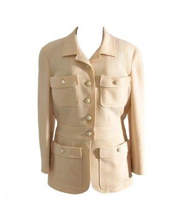 7f96c47b2d6750 tweedehands luxe merken zoals chanel blazer, vest, vintage chanel 2.55
