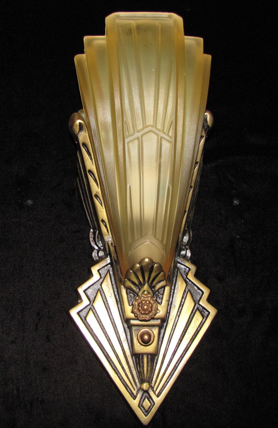 Pin On Art Deco Chandeliers And Lights