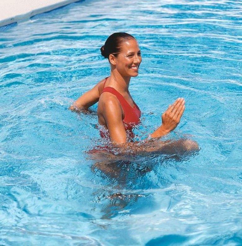 Routine piscine pour cet t les claireuses aquagym pool workout water aerobic exercises - Entrainement piscine pour maigrir ...