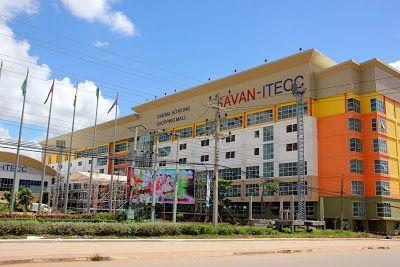 Centro comercial Savan-Itecc en Savannakhet http://www.vietnamitasenmadrid.com/laos/savannakhet.html