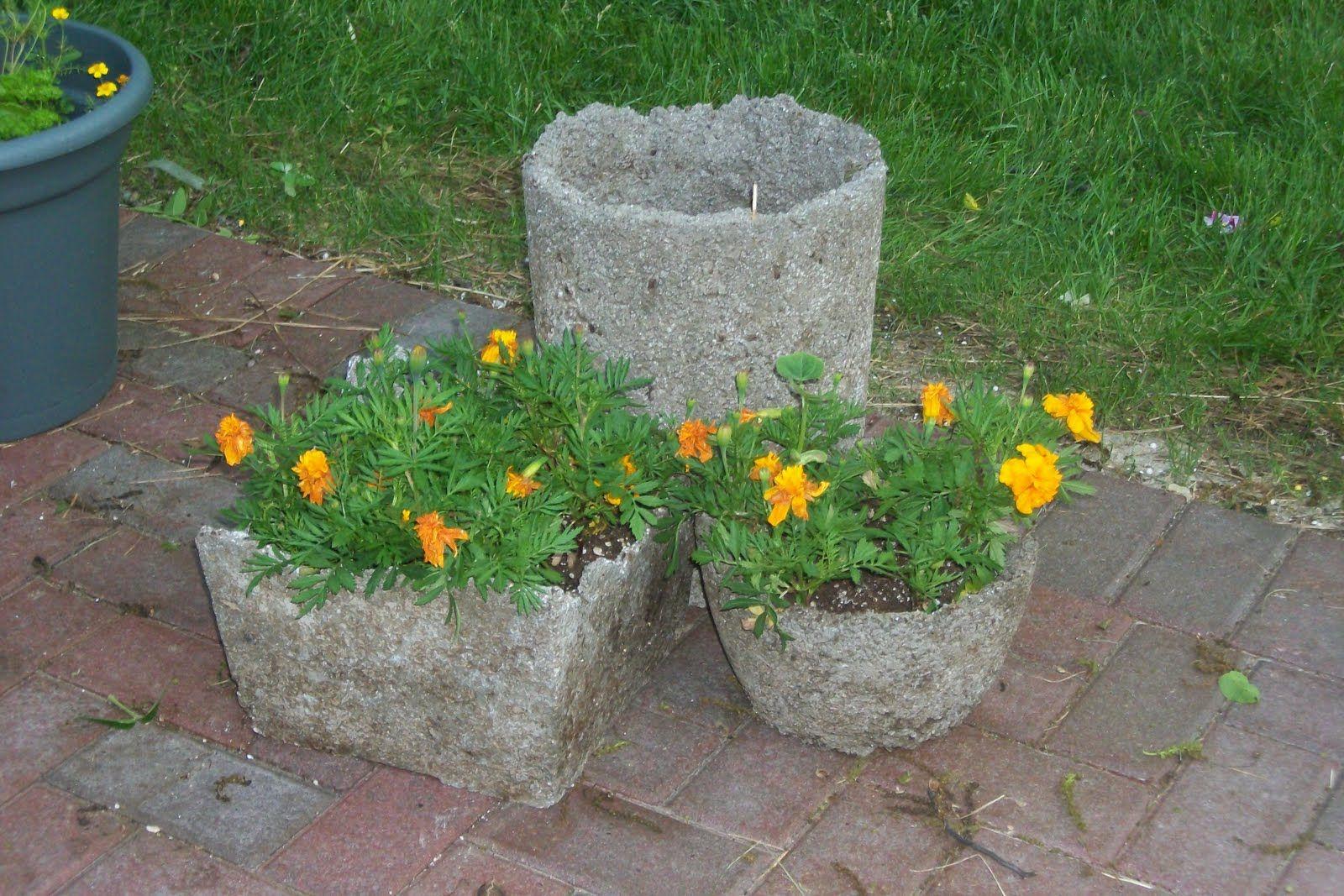 Hypertufa recipe using concrete mix the recipe for - Concrete projects for the garden ...