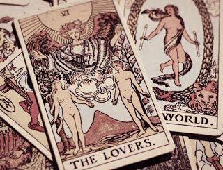 ¿Por qué es recomendable mirarnos en el tarot del amor y con videntes del amor?