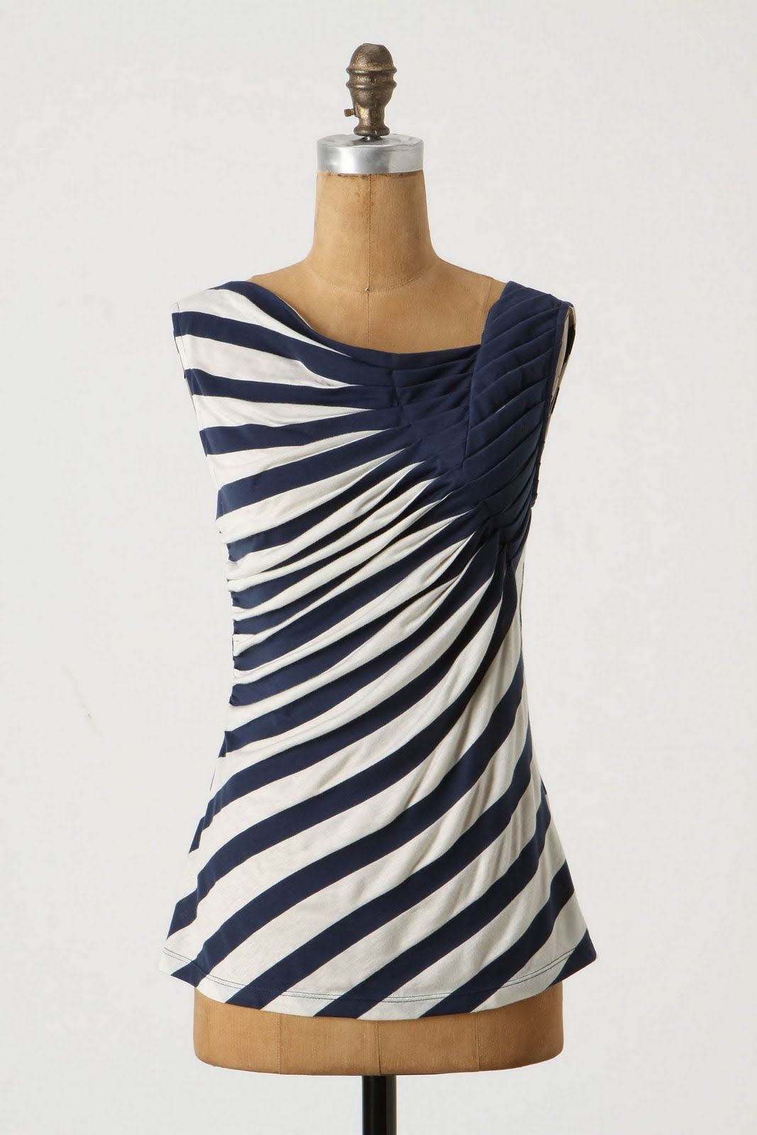 Anthropologie tank (no longer available).  I feel like this would be a cool pattern to do just with paint (no way I'm gonna sew all those pleats!)