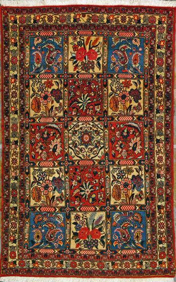 Bakhtiari Persian Rug 3 3 X 5 2 Oldcarpet Persianrug Orientalrug Rug Persiancarpet Carpet Qualityrug Bakhtiarir Rugs Rugs On Carpet Persian Rug